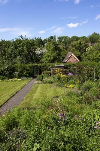 garden2 2 WEB