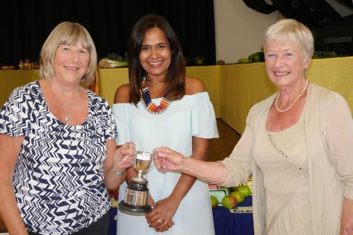RGHC Satnam Rana with Dahlia Cup joint winners Jean Walton and Pam Gregg WEB 2-9-17