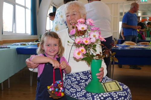RGHS Show 9 WEB Oldest and youngest in show, Nancy Morgan aged 2 and June Calear aged 92 P1140114 1-9-18